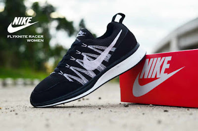 Sepatu Nike Free Flyknit Women Black White