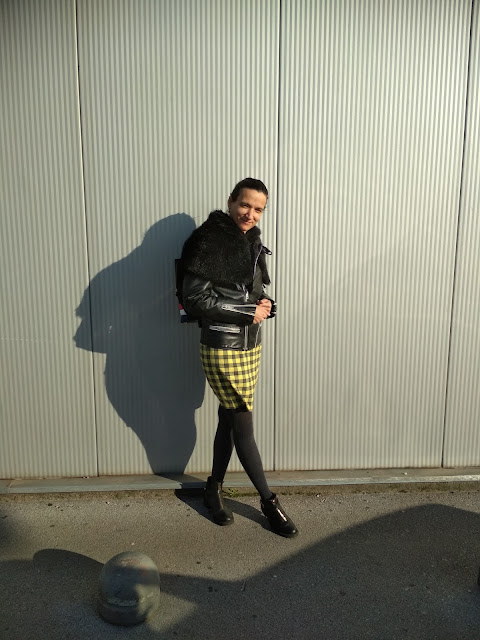 3 Ways To Style a Yellow Checkered Skirt: Outfit Proposals