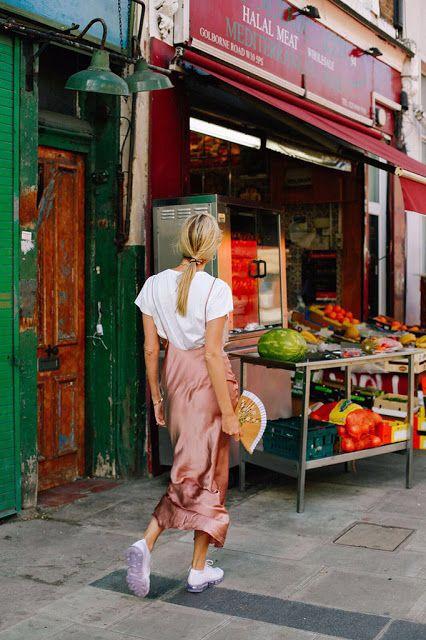 #whisperbysara #streetstyle #blog #streetstyleblog #slipdress #pinkblush #lowpony #whitesneakers #whitetee