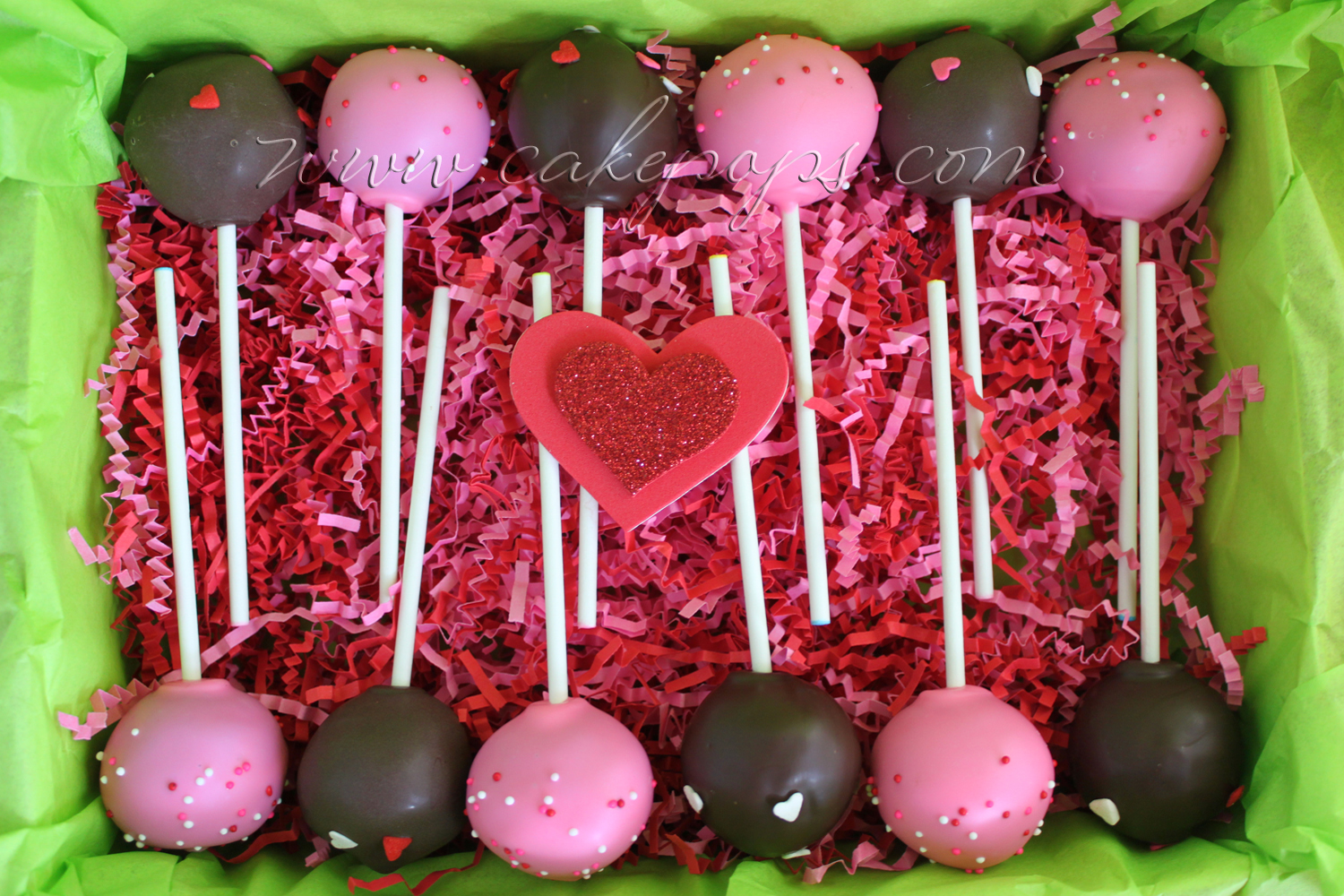 Candy's Cake Pops: Valentine Cake Pops to send to your Loves
