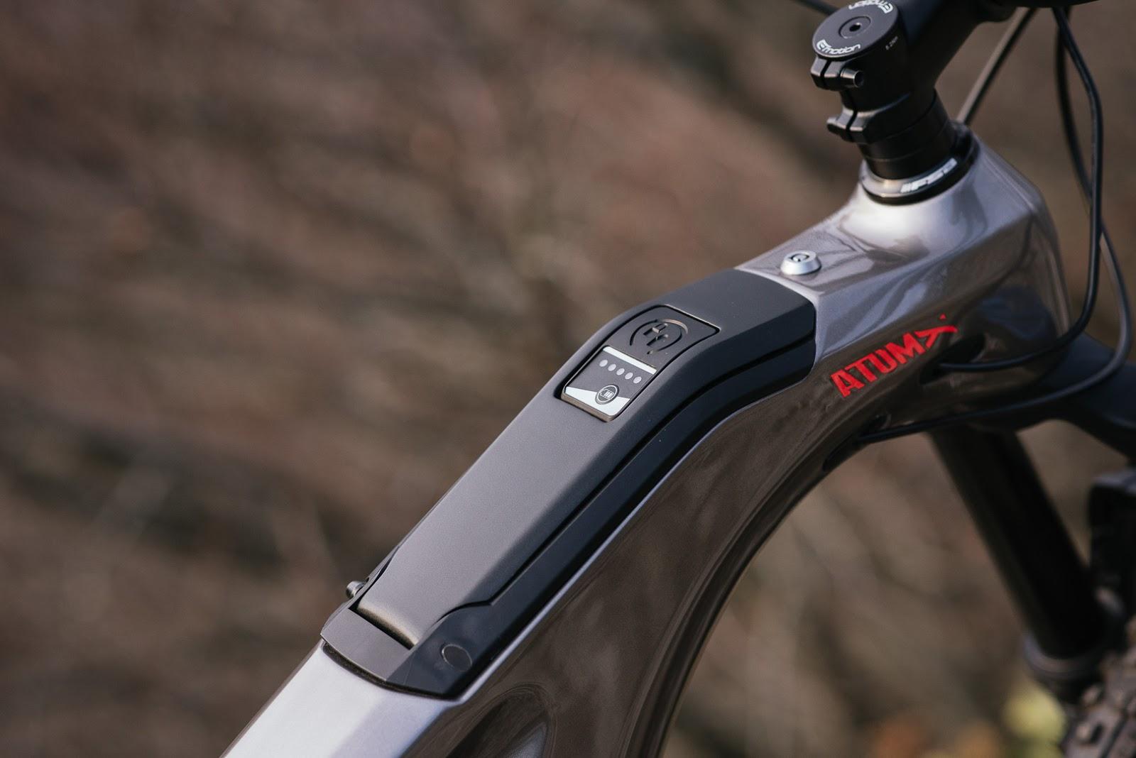 BH AtomX Carbon, más ligera para ir más lejos y más rápido