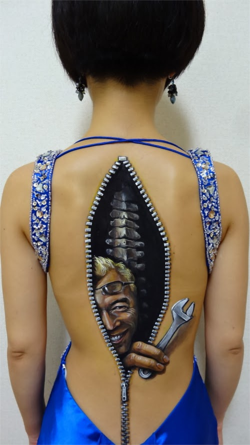13-Zip-on-Back-Japanese-Artist-Zhao-Ye-趙-燁-Body Painting-Freaky-www-designstack-co