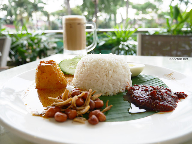 Nasi Lemak Biasa with Curry Potato Pappa Lite Meal - RM9.90