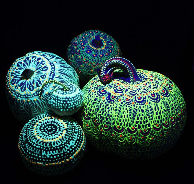 Alisaburke: Aztec Pattern Painted Pumpkins