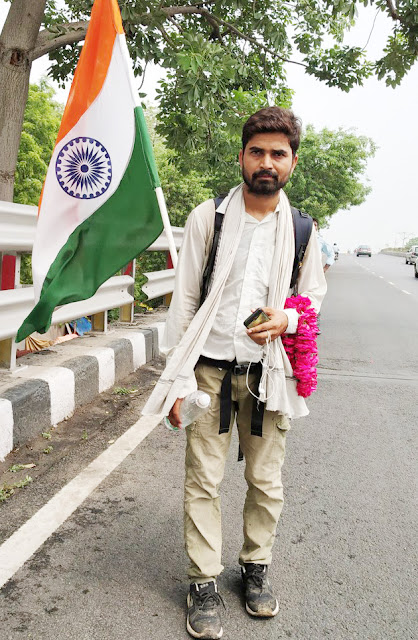Youth Welfare Minister will meet with Prime Minister Modi on foot from Odisha for health service