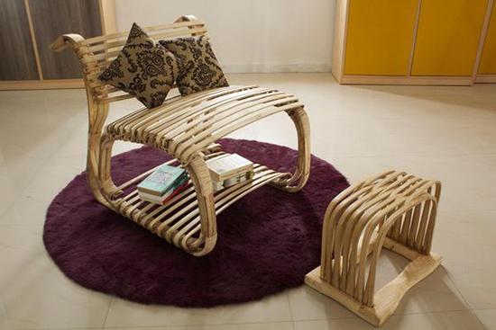 kursi kalem unik berbahan bambu