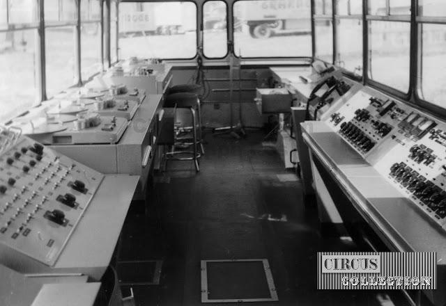 l'intérieur de la remorque studio radio