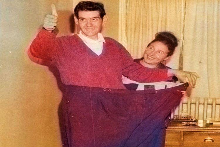 382 günün sonunda tanınmayacak kadar değişen Angus Barbieri, tam tamına 125 kilo kaybetmişti.