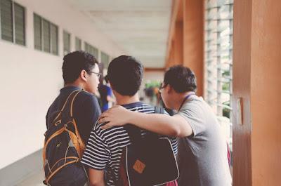 Untuk kuliah pakai beasiswa sebenarnya bukan hal langka. Itu karena peluang yang terbuka banyak sekali. Bisa jadi kamu hanyalah satu dari sekian dari ...