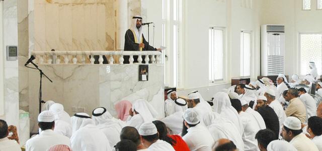 Melakukan Shalat Sunnah Ketika Ada Khotib Sedang Khutbah, Bolehkah?