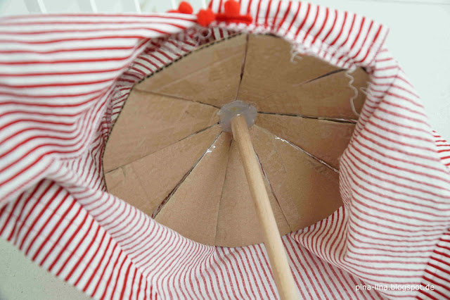Konstruktion des Zirkuszelts auf der Zuckertüte