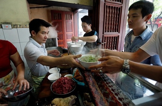 Best Pho ga in Hanoi Old Quarter