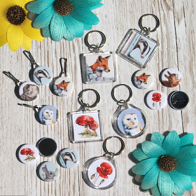 new buttons badges, keyrings, magnets, zipper pulls