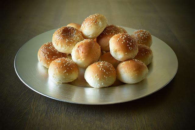 خبز السندويش صغير للمناسبات