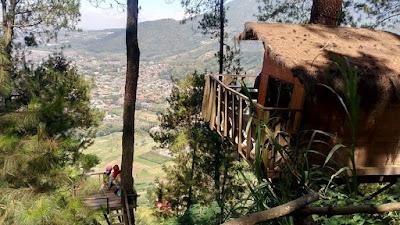 paralayang, gunung banyak, wisata malang, omah kayu
