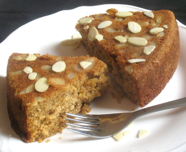 Vegan Oil Almond Cake