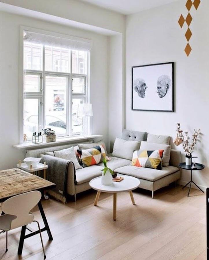 decoración salón pequeño con sofá modular
