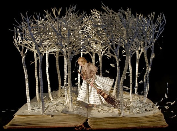 10-The-Girl-in-the-Wood-Su-Blackwell-Book-Fairy-Tale-Sculptures-www-designstack-co
