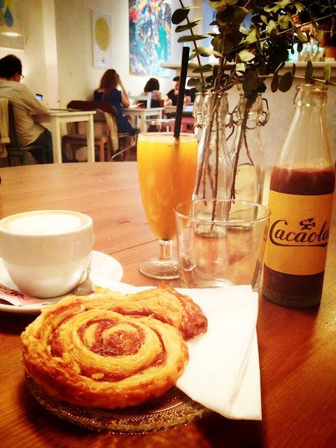 Cosmo cafe & galería de arte