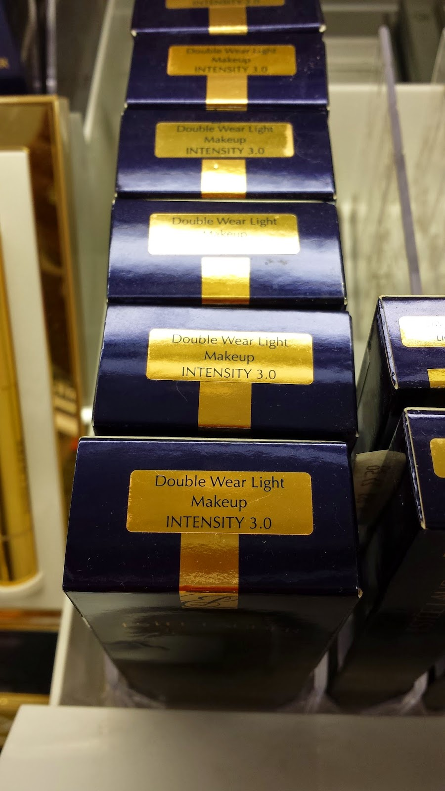 Estee Lauder Double Wear Light display - www.modenmakeup.com