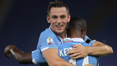 De Vrij bất ngờ chịu gia hạn với Lazio