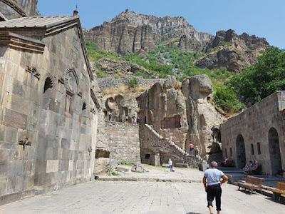 Monasterio de Geghard, en los alrededores de Ereván