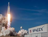 SpaceX Postpones Launch of Its 1st 'Starlink' Internet Serving Satellites