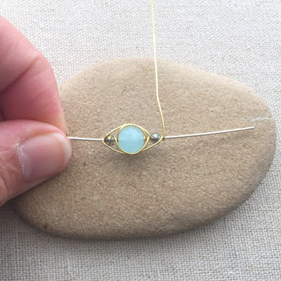 Free tutorial: Herringbone Wire Weave with Beads - Lisa Yang's Jewelry Blog