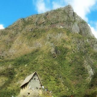 Cabana do Guardião e Montanha Machu Picchu [Peru]