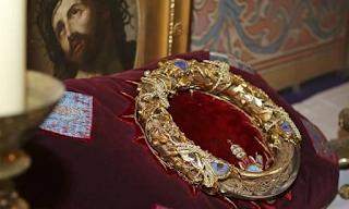 Παναγία των Παρισίων: Ο ιερέας – ήρωας που έσωσε το Ακάνθινο Στεφάνι