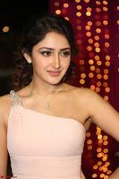Sayesha Spicy Half Shoulder Cream Gown at Zee Telugu Apsara Awards 2017 24.JPG
