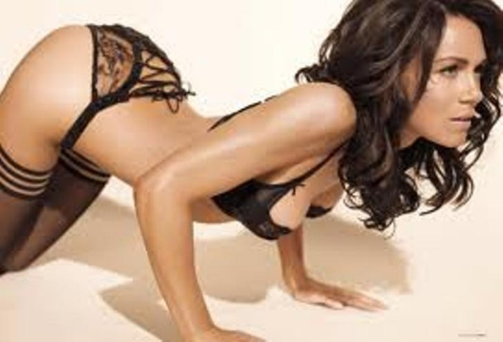 Hot naked girls makingout