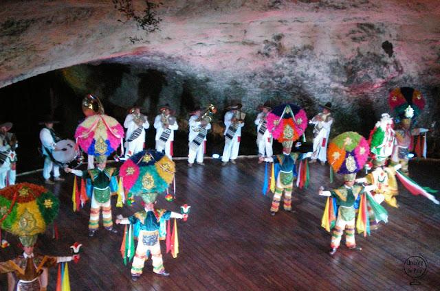 Folclore mexicano en el parque Xcaret