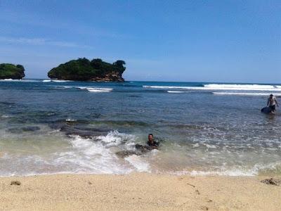 Lokasi Pantai Watu Karung Pacitan