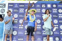 5 Prize Giving Billabong Pro Tahiti 2016 foto WSL Kelly Cestari
