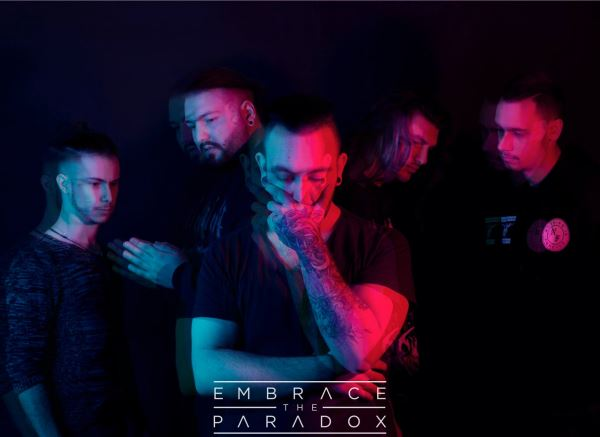 "EMBRACE THE PARADOX: Lyric video για το νέο κομμάτι ""Velvet Tears"""