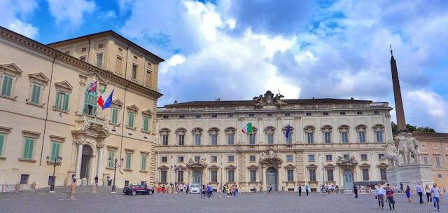 Palazzo del Quirinale e Fontana dei Dioscuri en Quirinal en Roma