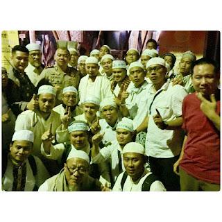 Muhammad Arifin Ilham dan peserta Aksi Damai 4-11