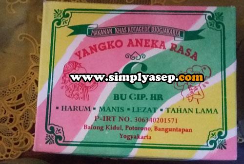 YANGKO : Inilah kemasan 1 kotak Yangko yang bisa diperoleh di Yogyakarta  Harga per kotak antara 10 - 20 ribu rupiah.  Murah meria dan enak Foto Asep Haryono