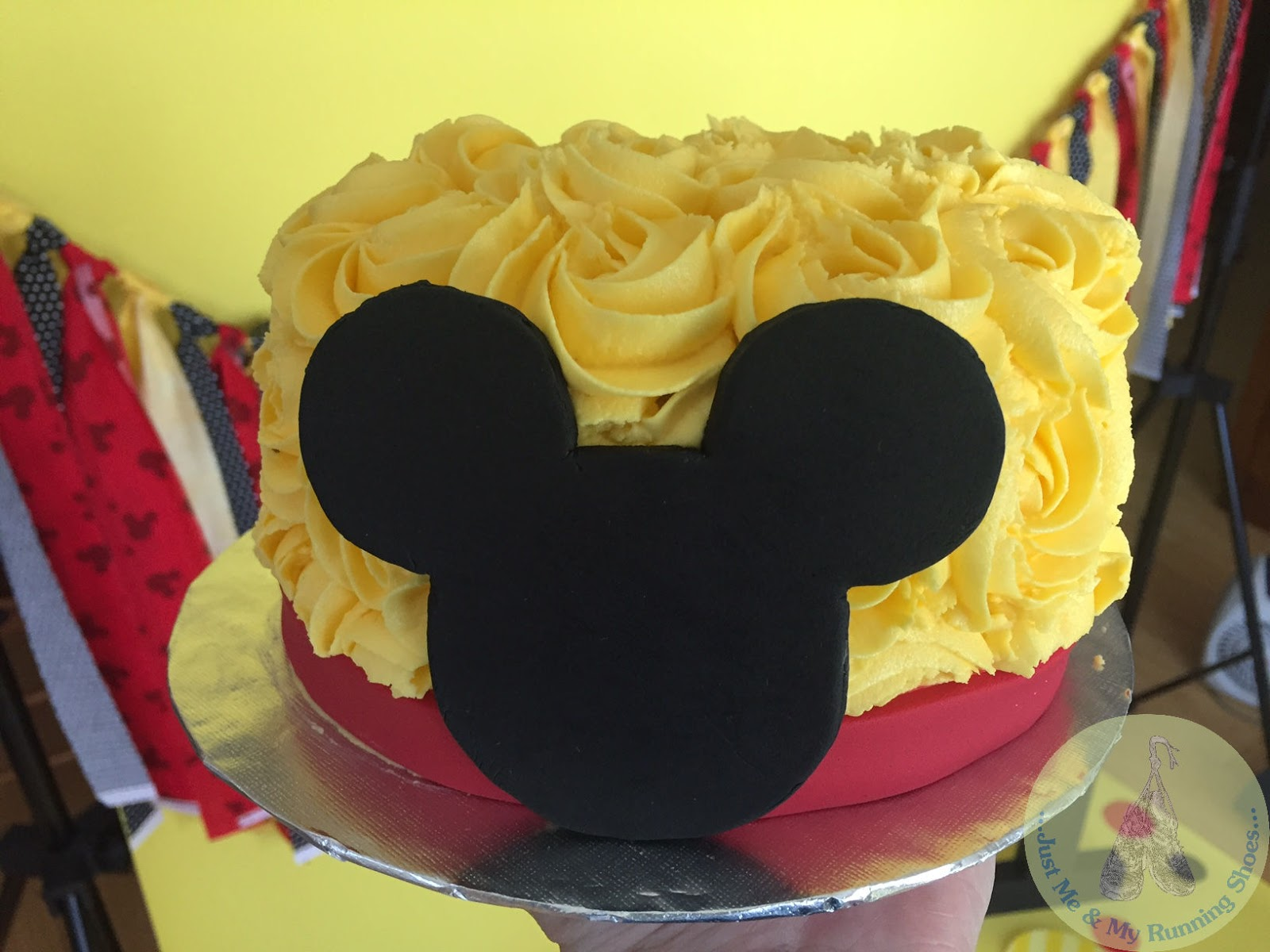 MICKEY MOUSE STYLE BANNER BIRTHDAY PARTY  CAKE SMASH BLACK RED YELLOW 12 HEADS