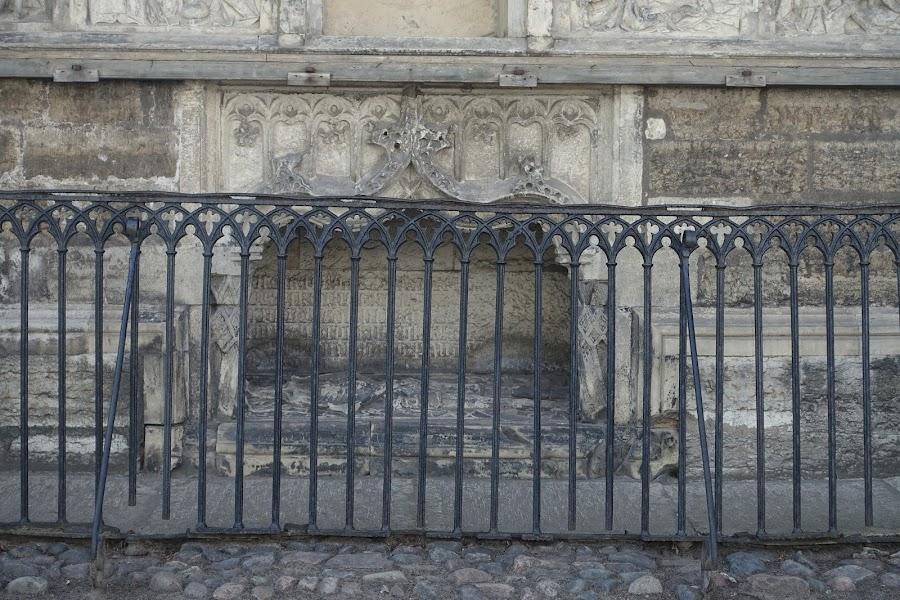 聖オレフ教会=オレヴィステ教会(Oleviste kirik) オレフの石像