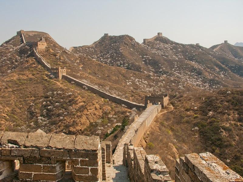 La Grande Muraille bâtie au sommet des montagnes