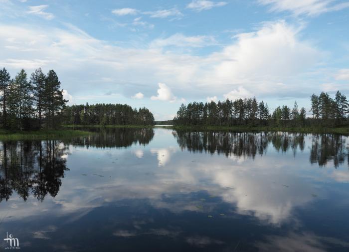 suomalainen järvimaisema