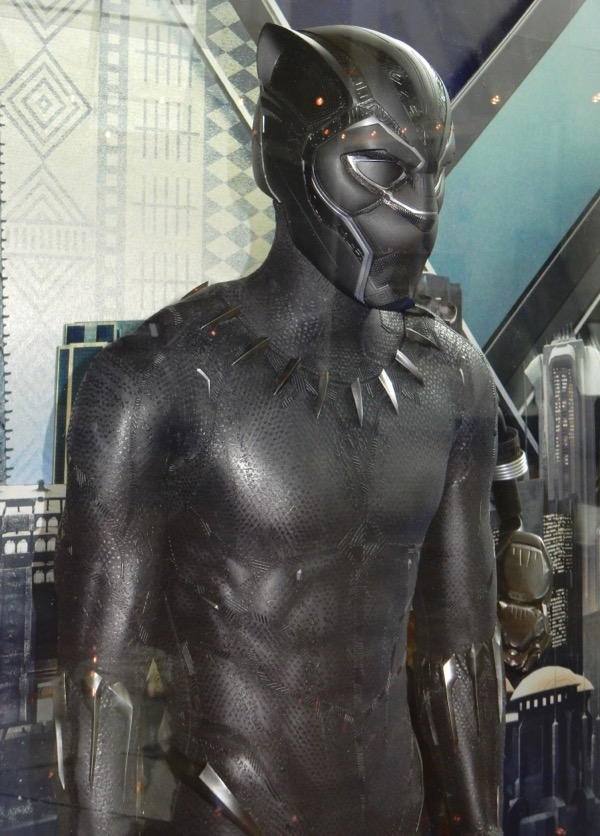 Hollywood Movie Costumes And Props Black Panther Nakia And Shuri Movie Costumes On Display