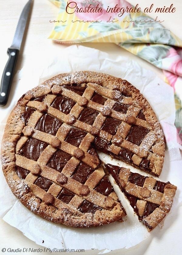 Crostata integrale al miele con crema di cacao e nocciole