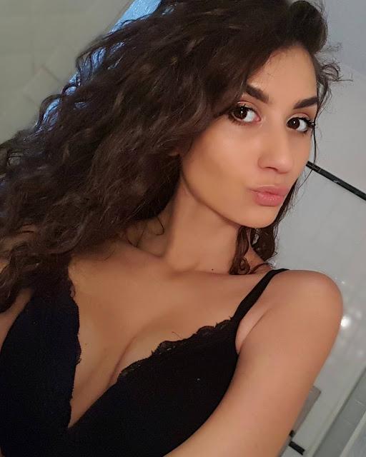 Sexy basket: Giulia Neccia