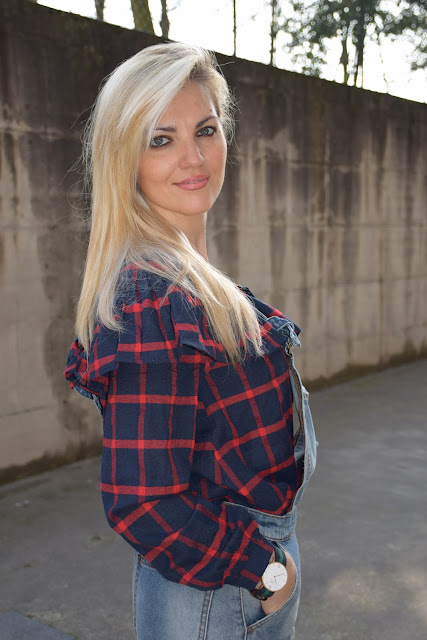 mariafelicia magno fashion blogger camicia quadri con rouches orologio daniel wellington blondie blonde hair blonde girls  ragazze bionde
