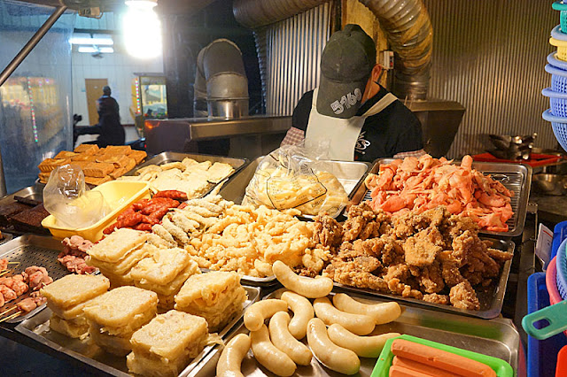 太平必吃美食│連在地人都大推的紅龍石敢當鹹酥雞,點鹹酥雞玉米等六樣炸物只要110元,便宜到不可思議