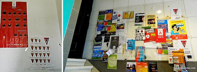 Cartazes nos corredores da Universidade de Coimbra