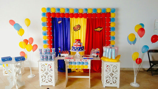 Mesa decorada Henry Danger